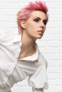taglio-donna-da-maschietto-rosa