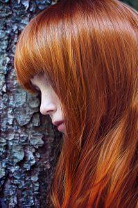 capelli-lisci-con-frangetta-rame
