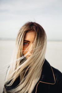capelli-lunghi-degradé-biondo