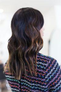 capelli-lunghi-pari-con-sfumature