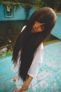 taglio-donna-capelli-lunghi-pari